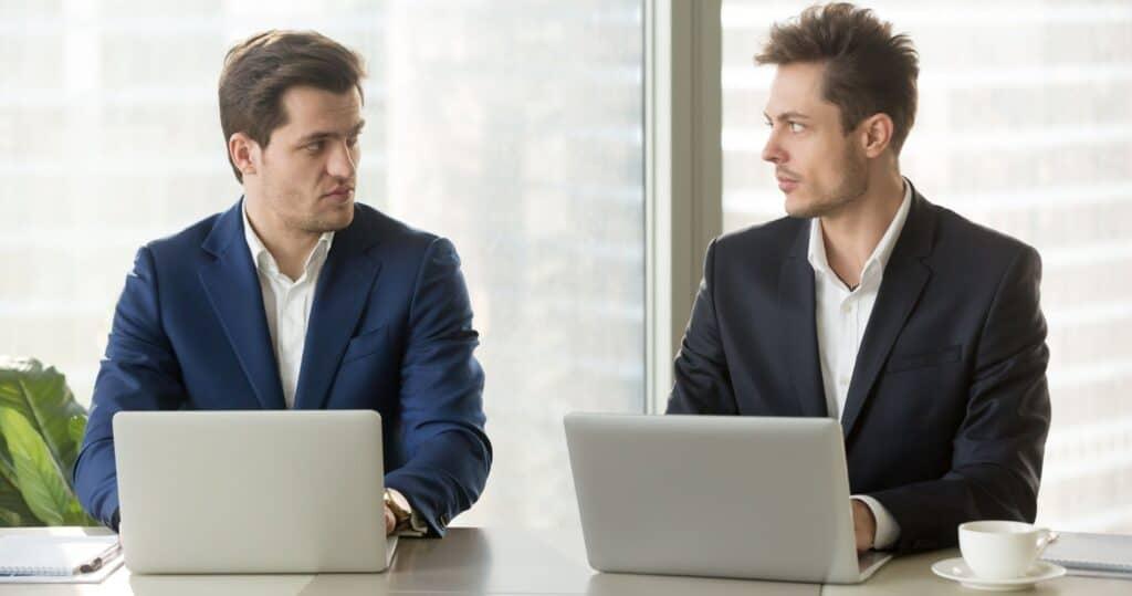 đối thủ cạnh tranh online